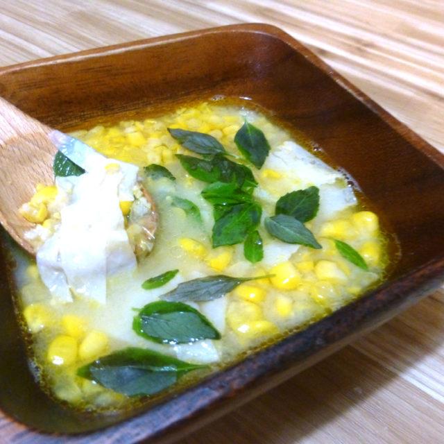コーンと乾燥湯葉のスープ